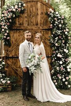 Dois corações de amantes em uma cerimônia de casamento