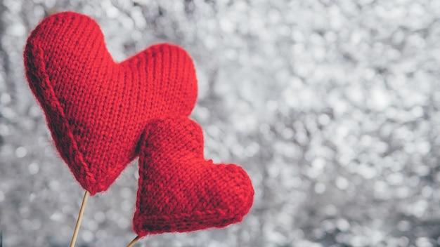 Dois corações vermelhos com copyspace