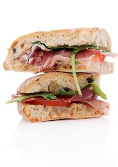 Dois deliciosos sanduíches