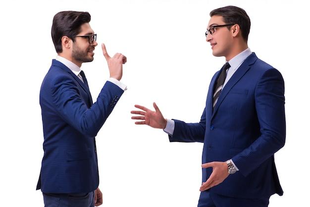 Dois empresários isolados