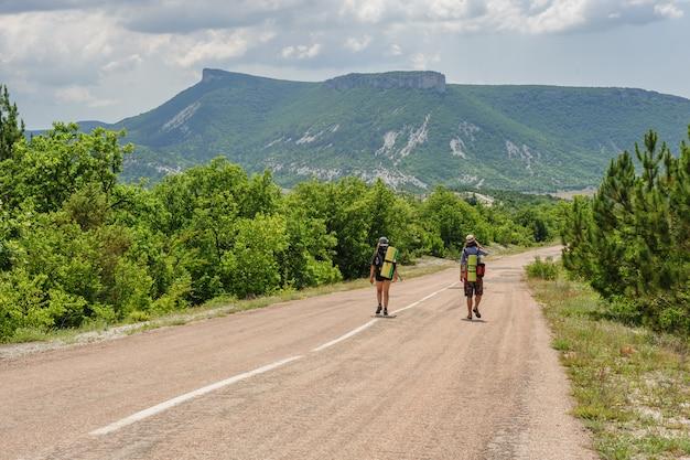 Dois, hiking, pessoas, estrada