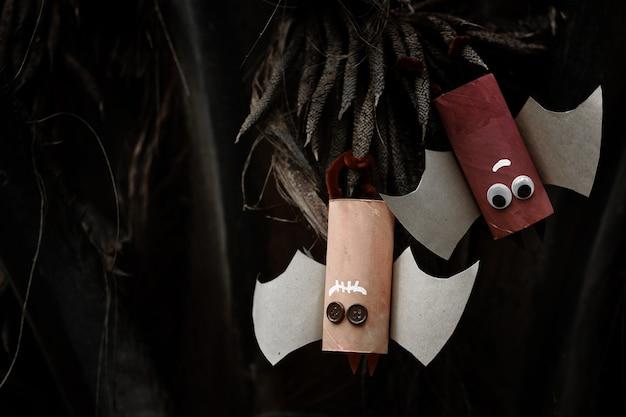 Dois morcegos de papel do conceito de halloween.halloween.