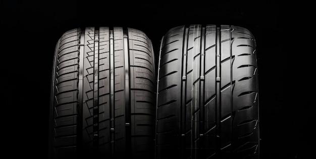 Dois novos pneus modernos