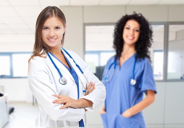 Dois, sorrindo, femininas, doutores