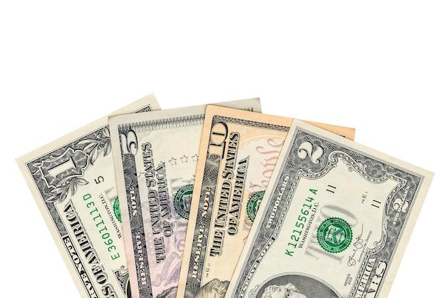 Dólares de dinheiro isolados em um fundo branco