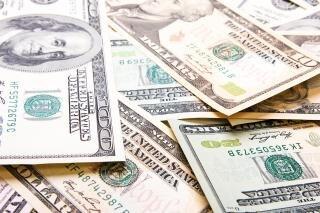 Dólares, salários, câmbio