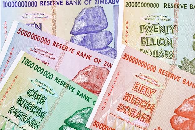 Dólares zimbabueanos