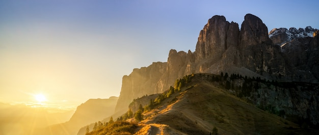 Dolomites, itália paisagem em passo gardena.