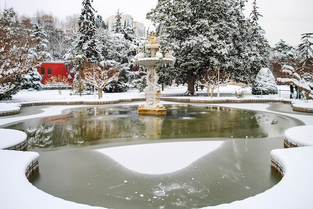 Domabache palace aberto aos visitantes durante as férias de natal.