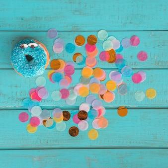 Donut de aniversário com confete