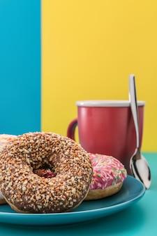 Donuts e café