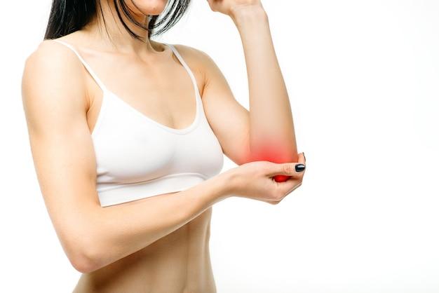 Dor nas articulações, mulher com lesão na mão