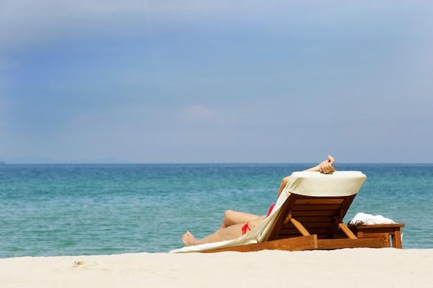 Dormir na praia silenciosa