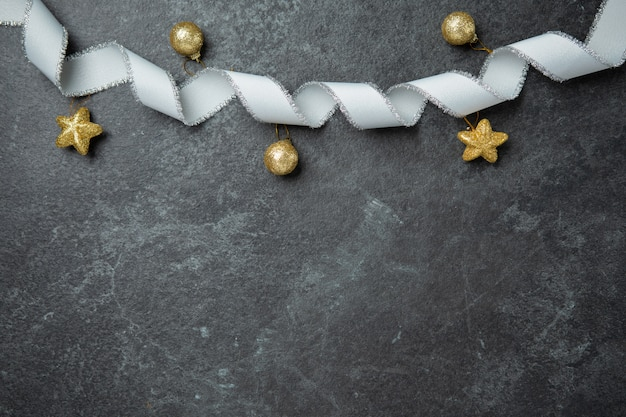 Dourado, natal, comemorar, decorativo, com, dourado, fita, bola, apartamento, leigo, vista superior