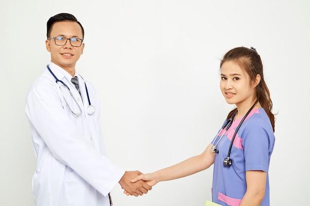 Doutor, com, enfermeira, branco, fundo
