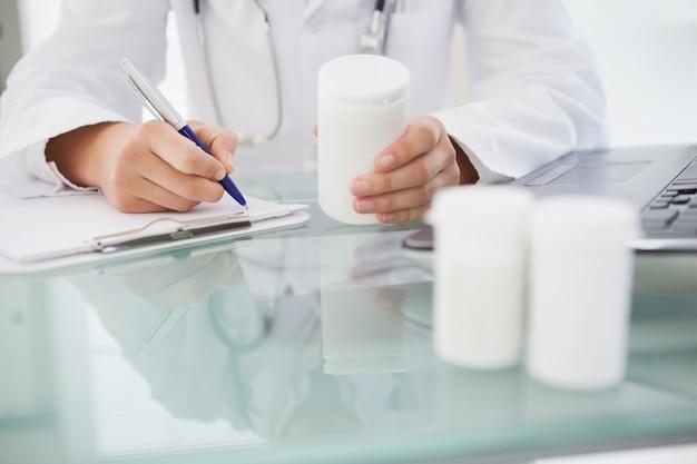 Doutor, escrevendo, prescrições