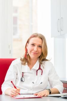 Doutor, escrita, prescrição médica, em, cirurgia