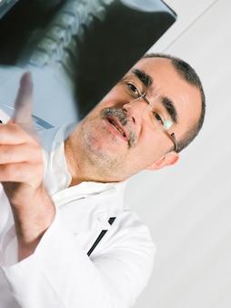 Doutor, examinando, raio x