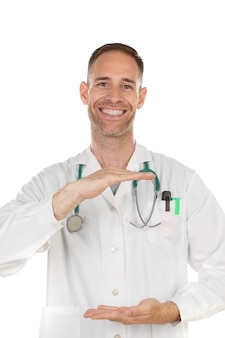 Doutor jovem, segurando, algo, com, seu, mãos