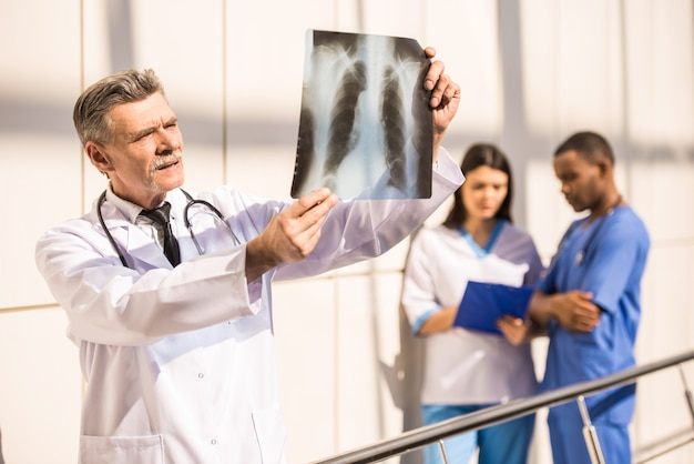 Doutor, olha, um, raio x, em, hospitalar