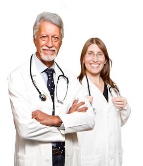 Doutor sênior homem e mulher