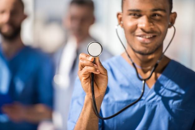 Doutor, usando, estetoscópio