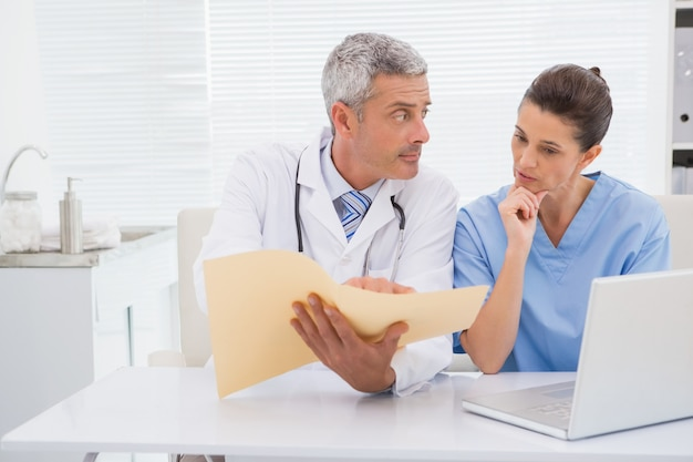 Doutores, olhar, arquivos