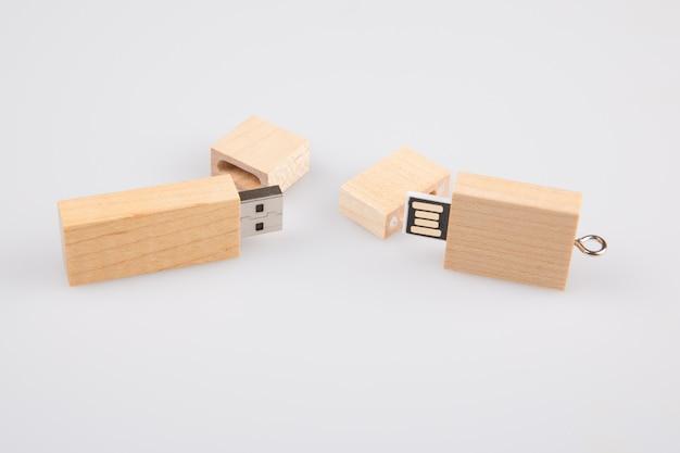 Drives flash de duas chaves em madeira plástica