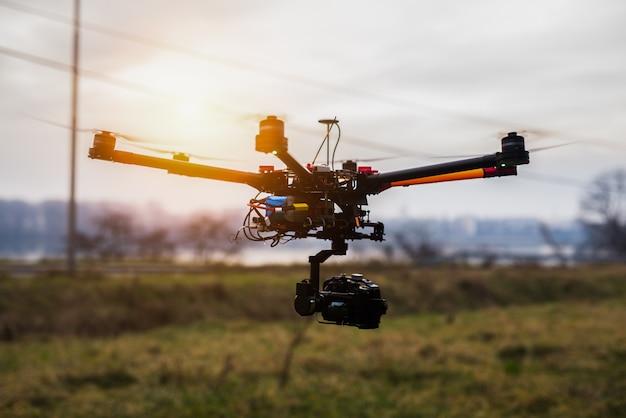 Drone fotografia gravação vídeo conceito aéreo aéreo.