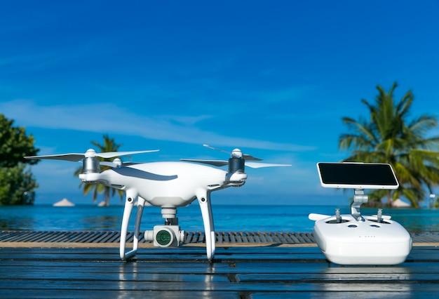 Drone quad helicóptero com câmera digital de alta resolução
