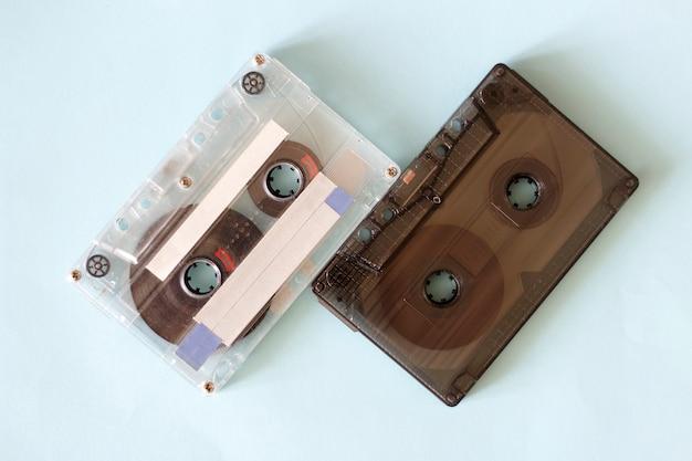 Duas cassetes de áudio retrô