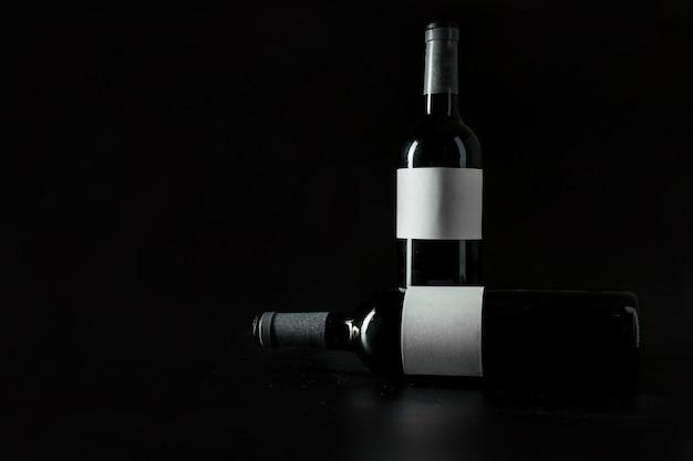 Duas garrafas de vinho