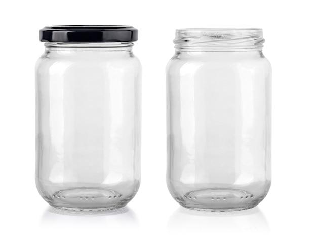 Duas latas vazias para produtos líquidos isolados no branco