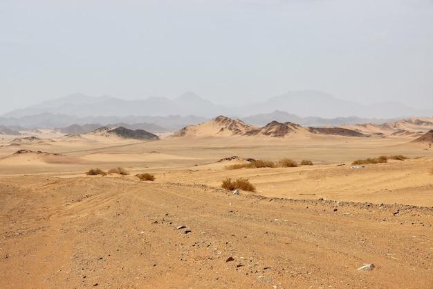 Dunas de areia no deserto da arábia saudita