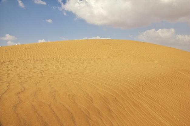 Dunas de areia no deserto, iêmen