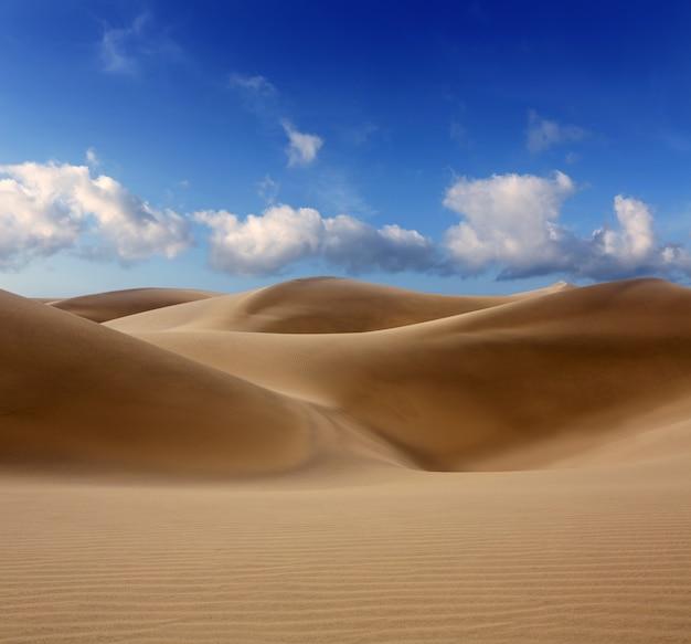Dunas do deserto de areia em maspalomas gran canaria
