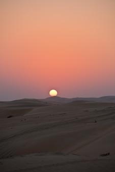 Dunas do deserto em liwa, emirados árabes unidos