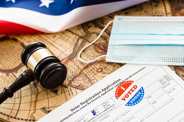 Durante a pandemia covid, os eleitores americanos que residem no exterior devem se registrar para votar.
