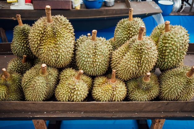 Durian no mercado