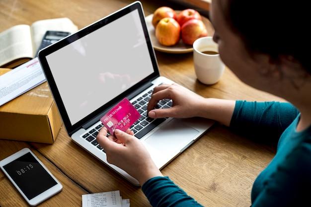 E-banking pagamento conexão financeira laptop