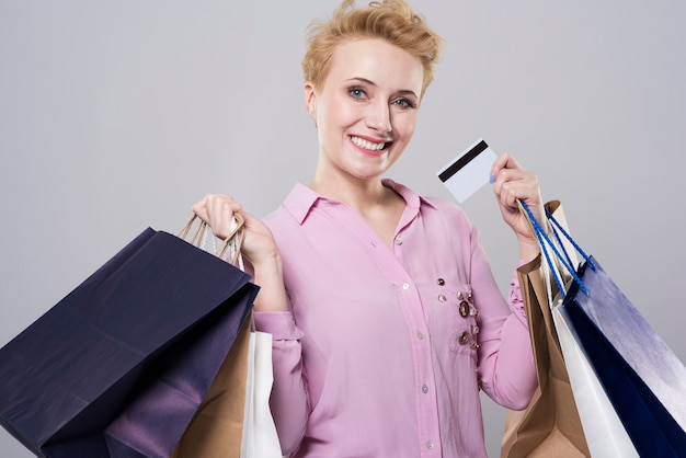 É preciso dinheiro para fazer compras