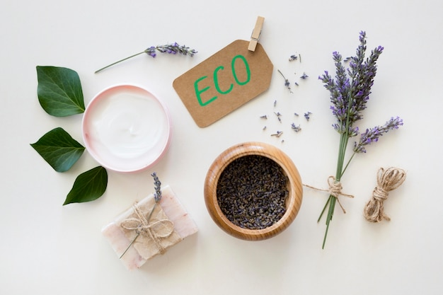 Eco lavanda e cosméticos naturais de folhas de spa