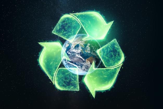 Eco reciclando símbolo verde sobre preto