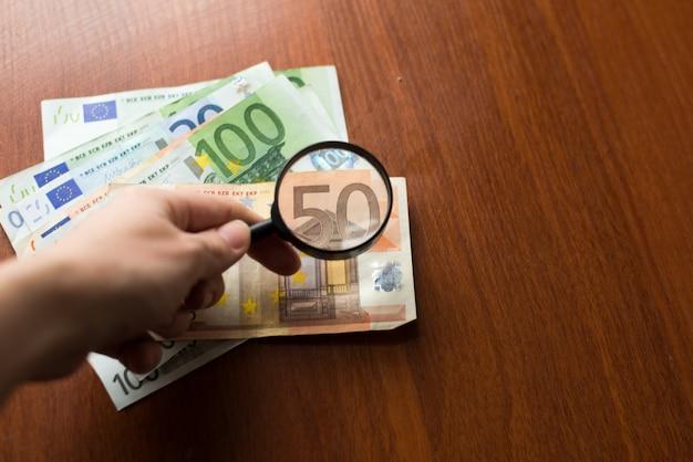 Economia de finanças, impostos ou busca por conceito de rendimento