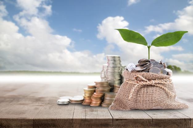 Economize dinheiro para se preparar no futuro.