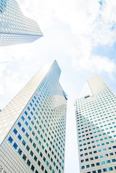 Edifício arranha-céu