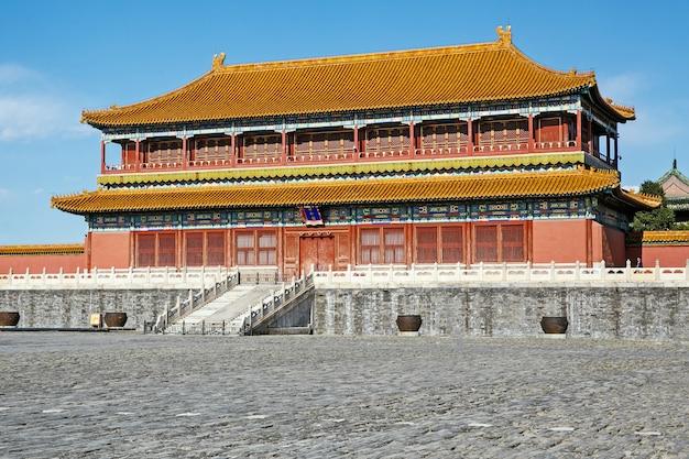 Edifício chinês tradicional, cidade proibida em pequim - china, dia de sol claro