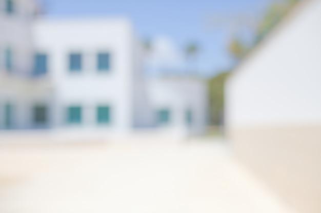 Edifício com indicadores azul borrão