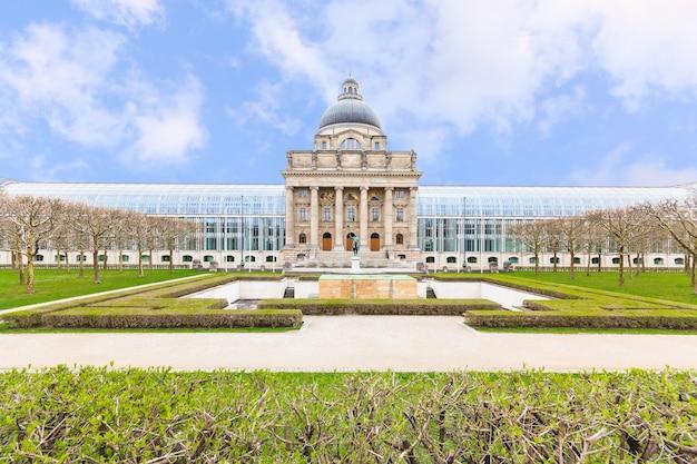 Edifício da chancelaria do estado da baviera (bayerische staatskanzlei), hofgarten, munique, alemanha
