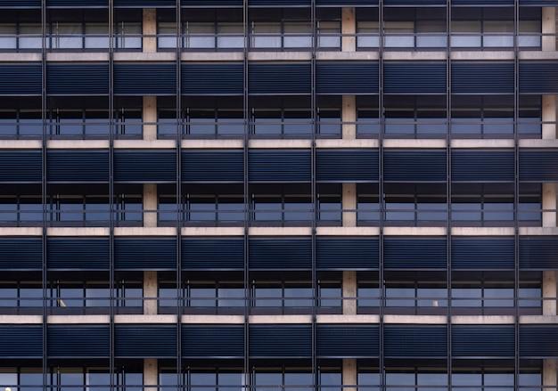Edifício de escritórios de fachada de janela